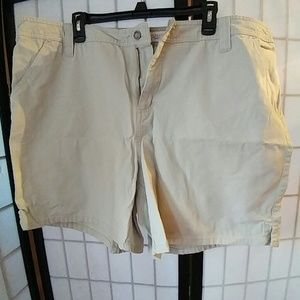 Ladies khaki shorts 22